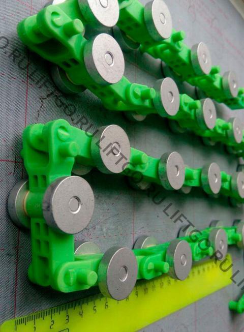 Отклоняющая цепь балюстрады SJEC, 24 пары роликов, зелёные звенья / Обводная цепь